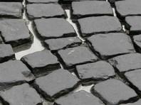 За весь год сотрудники коммунальных служб переложили более 12 тысяч кусков брусчатки