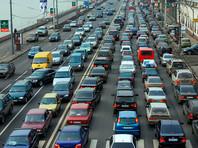 По данным ГИБДД на начало 2016 года, в России зарегистрировано 56 млн автомобилей, из них около 44 млн - легковые. При этом население России - более 144 млн человек