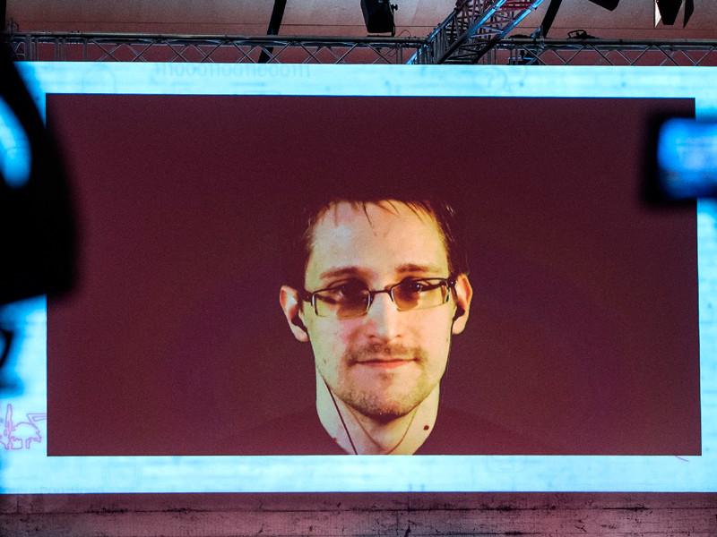 Сноуден предложил Обаме помиловать его перед уходом с президентского поста