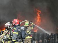 В Москве пятеро пожарных погибли во время тушения огня на складе