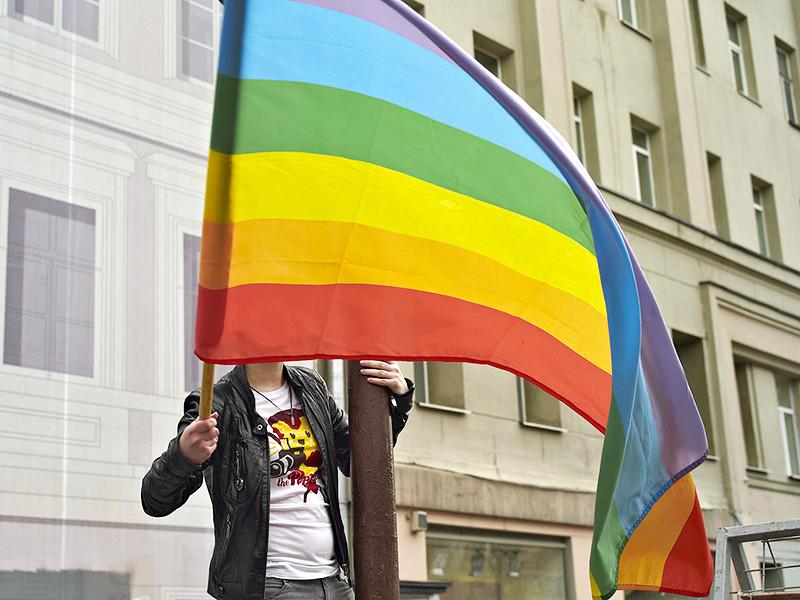 Активисты московского ЛГБТ-движения подали уведомления о проведении шествий гей-парадов в поддержку толерантного отношения и соблюдения прав и свобод лиц гомосексуальной ориентации и гендерных меньшинств в РФ в администрации Белгорода, Курска и Орла