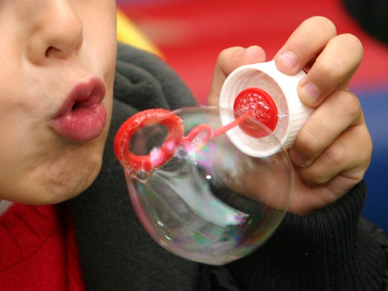 В Биробиджане задержан 8-летний мальчик, который пытался украсть мыльные пузыри