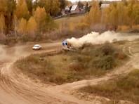 На ралли в Сибири потерявший управление автомобиль снес вышку с судьями. ВИДЕО