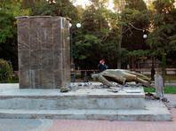 В Крыму разрушили исторический памятник Ленину