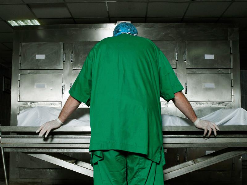 В российских больницах зафиксирован рост смертности, который эксперты связывают с последними реформами в сфере здравоохранения. В 2015 году, по статистике, скончалось на 24 тысячи госпитализированных в лечебные заведения РФ больше, чем за год до этого