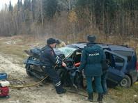 На трассе в Тюменской области столкнулись три автомобиля: пять человек погибли