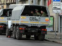 Житель Подмосковья врезался на машине в толпу военных