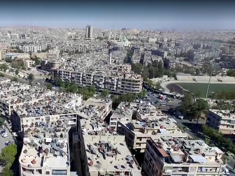 Россия совместно с властями Сирии готова к возобновлению гуманитарных пауз в сирийском городе Алеппо при получении гарантий международных организаций о готовности вывода из удерживаемых боевиками районов больных, раненых и мирного населения