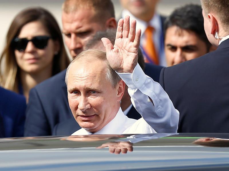 Президент России Владимир Путин не поедет в Париж 19 октября, сообщает Reuters со ссылкой на источники во Франции