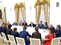 Путин дал совет школьникам, желающим стать президентом, и смутил учителя года вопросом о зарплате