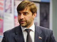 Навальный выяснил, что дочери Железняка, несмотря на обещания отца, не собираются возвращаться из Британии