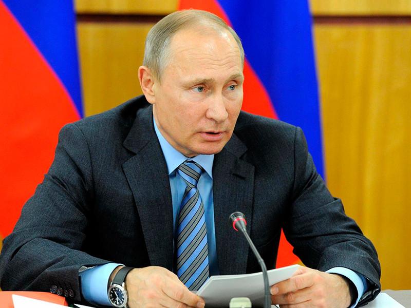 """Путин озадачил Росгвардию """"информационным противоборством"""" и дактилоскопией"""