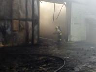 Под Ростовом потушили пожар на производстве утеплителя: огонь охватил 2000 кв. м.