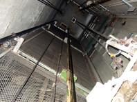 В Хабаровске лифт раздавил мастера, прибывшего его чинить