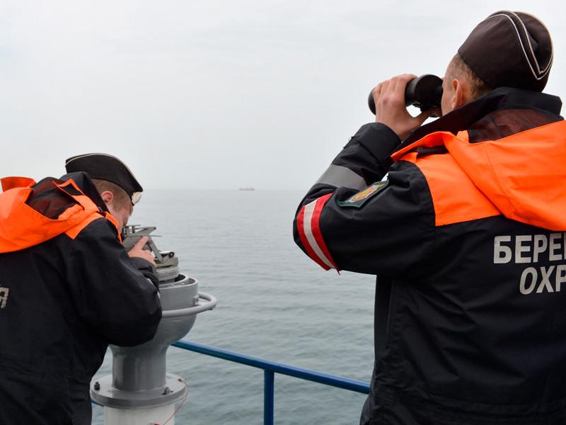Пограничники РФ задержали северокорейское судно, открывшее стрельбу по досмотровой группе