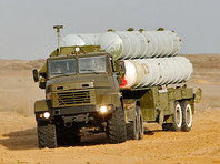 В проверке задействованы мотострелковые, танковые, артиллерийские подразделения, экипажи авиабазы Толмачево, дивизионы зенитных ракетных комплексов С-300 и С-400, отряды специального назначения, а также специалисты всех видов обеспечения