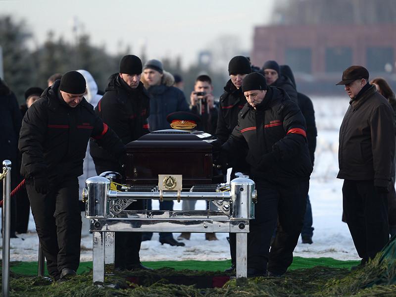 Министерство обороны разработало законопроект, в котором предлагается выделять меньше средств на похороны руководителей страны - президентов, премьер-министров, а также министров