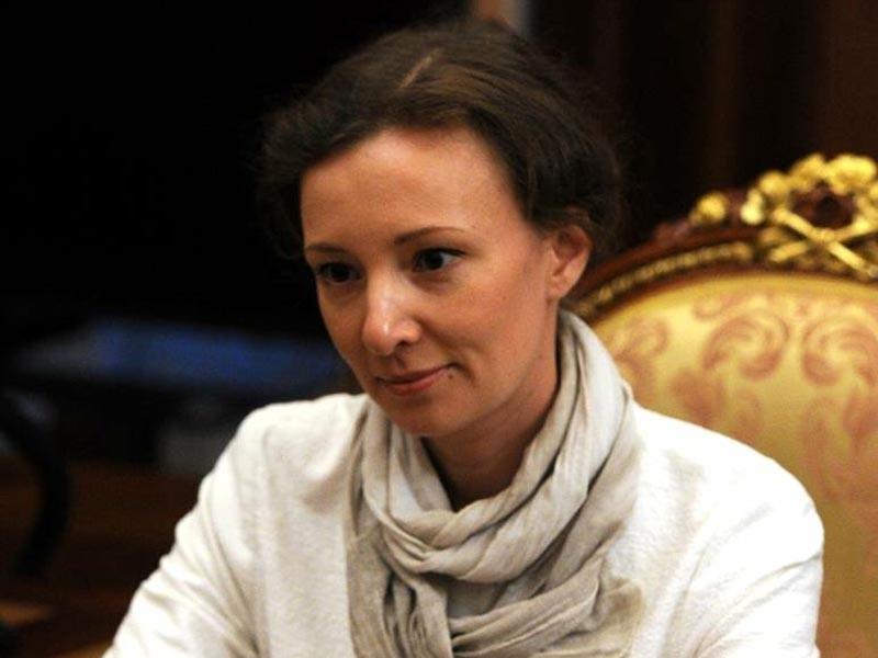 Омбудсмен Кузнецова возмутилась отсутствием психологов во время переговоров с погибшими в Псковской области подростками
