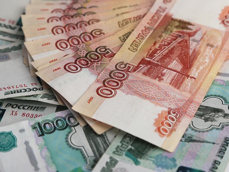 В Санкт-Петербурге неизвестные мошенники обокрали пенсионера, подрабатывающего поэзией. У 79-летнего мужчины обманом выманили больше миллиона рублей