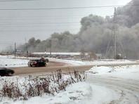 В Ижевске крупный пожар на торговом складе, есть жертвы, дым накрыл шоссе