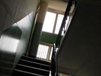 В Забайкалье выясняют обстоятельства смерти парализованной пенсионерки, выброшенной в подъезд