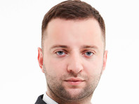 """Юрист, который """"учился в одном месте"""" с Медведевым, стал претендентом на бренд """"Русиано"""""""