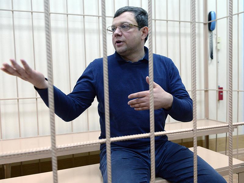 Центральный районный суд Новосибирска отправил под домашний на два месяца вице-губернатора Кемеровской области Александра Данильченко