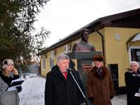 В Куйбышевском районе Ростовской области ко дню рождения Иосифа Сталина установили бюст вождя, спрятанный от фашистов во время Великой Отечественной войны