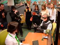 Греф в костюме инвалида не дождался кредита в собственном банке