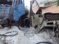 В результате три пассажира автобуса погибли и 10 оказались в больнице с различными травмами