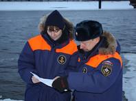 Трое детей провалились под лед в Новгородской области