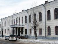В Ленинском районном суде города Кирова начался пересмотр дела в отношении оппозиционера Алексея Навального и предпринимателя Петра Офицерова. Такое решение принял 16 ноября Верховный суд РФ
