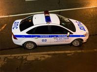 В центре Москвы водитель сбил прохожих и врезался в столб