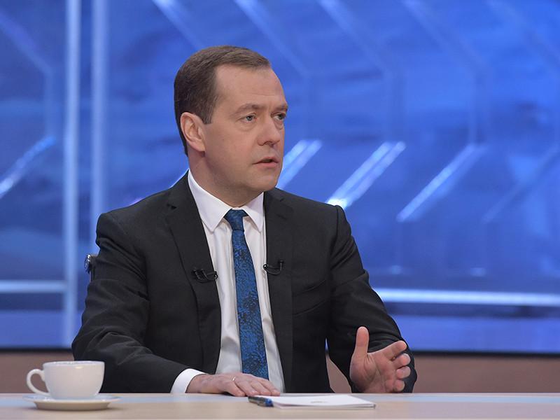 Премьер-министр России Дмитрий Медведев прокомментировал арест экс-главы Минэкономразвития Алексея Улюкаева двумя цитатами, отметив, что коррупционные дела не должны превращаться в шоу