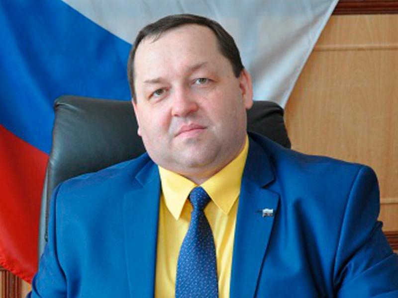 Глава города Дальнегорск Приморского края Игорь Сахута задержан правоохранительными органами по делу о злоупотреблениях должностными полномочиями