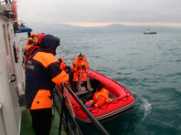 """На поднятых из воды обломках Ту-154 и телах жертв катастрофы нет следов взрывчатки, выяснил """"Интерфакс"""""""