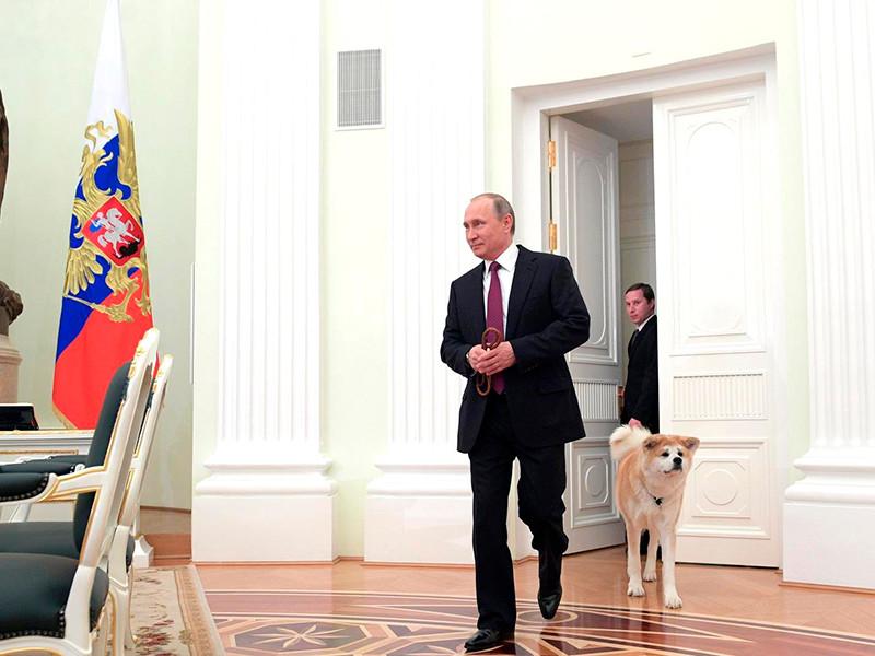 Президент РФ Владимир Путин привел одного из своих питомцев на интервью с японскими журналистами