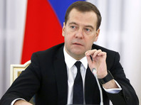 """Глава российского правительства Дмитрий Медведев наделил таможенные органы полномочиями следить за перевозчиками, уклоняющимися от внесения платы в систему """"Платон"""""""