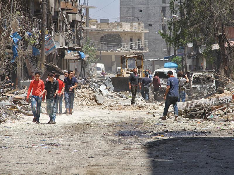В Кремле опровергли утверждения, что Россия не хочет договариваться с США по урегулированию ситуации в сирийском Алеппо до вступления Дональда Трампа в должность президента и заверили, что работа продолжается по линии внешнеполитических ведомств двух стран