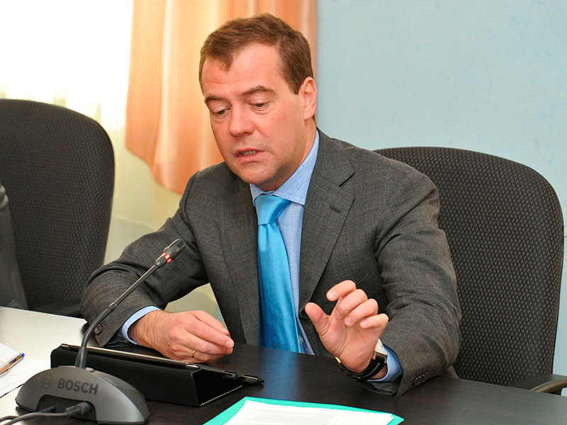 """Медведев пожелал """"интересных проектов"""" жителям Забайкалья, где учителя готовятся бастовать из-за долгов по зарплате"""