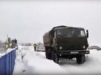 """Рейдеры на """"КамАЗе"""" попытались захватить аэродром под Пермью (ВИДЕО)"""