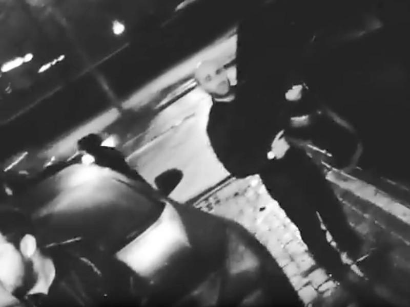 Столичные полицейские задержали подозреваемого в стрельбе из автомата в центре Москвы