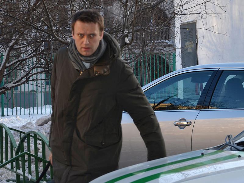 """Оппозиционер Алексей Навальный потребовал взыскать выплаченные ему по решению Европейского суда по правам человека (ЕСПЧ) 3,4 млн рублей с судьи Сергея Блинова, который вынес приговор по делу """"Кировлеса"""""""