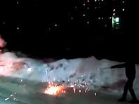 В Омске сняли на ВИДЕО дуэль на фейерверках