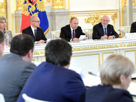 Путин поручил проверить взаимодействие сотрудников ФСИН с членами ОНК