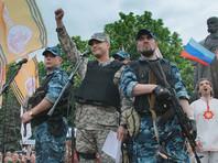 """5 апреля 2014 года он призвал к открытому противостоянию с украинскими властями, затем участвовал в вооруженном захвате здания управления СБУ в Луганской области в апреле того же года, был одним из командиров """"армии Юго-Востока"""""""