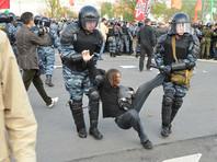 """Полицейский на суде заявил, что задерживал участников марша на Болотной за """"неправильные"""" лозунги"""