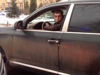 Очередной автохам заблокировал проезд скорой помощи в Петербурге (ВИДЕО)