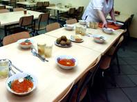 В Архангельской области детей из бедных семей оставили без благотворительных обедов в школе