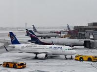 Десятки рейсов из Москвы задерживаются и отменяются из-за метели